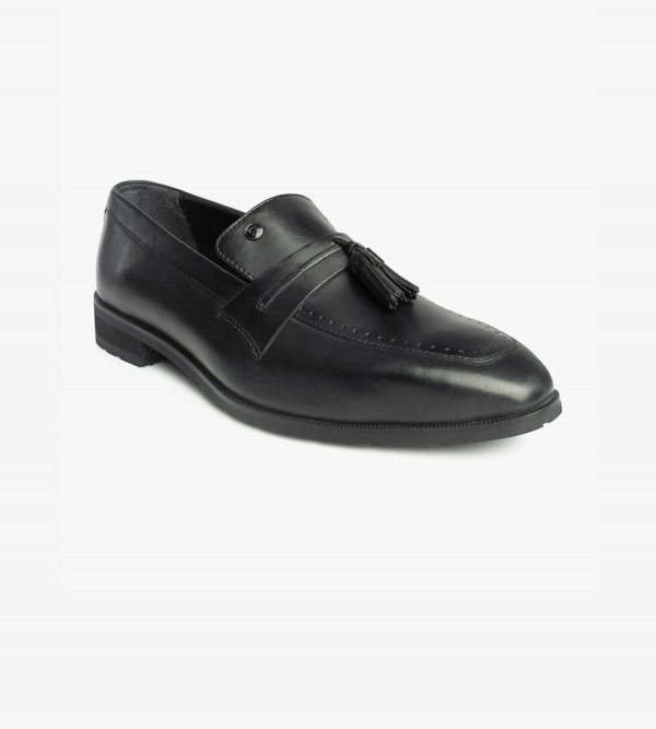 slip-ons-shoes-monte-black-main-side-angle
